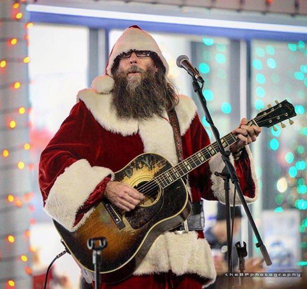 'Crowder Claus' at Carriage Kia of Woodstock!